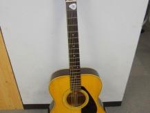 ギタークラブのギター