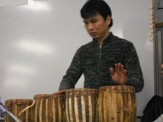民族打楽器の披露です。
