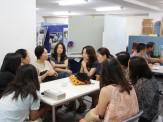 上映後は、親と子グループに分かれて語り合いの会を開催しました。