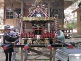 北上町吉浜住民の手で修復された御神輿。津波被害は免れたものの、少子化で途絶えていたお祭りが13年ぶりに復活